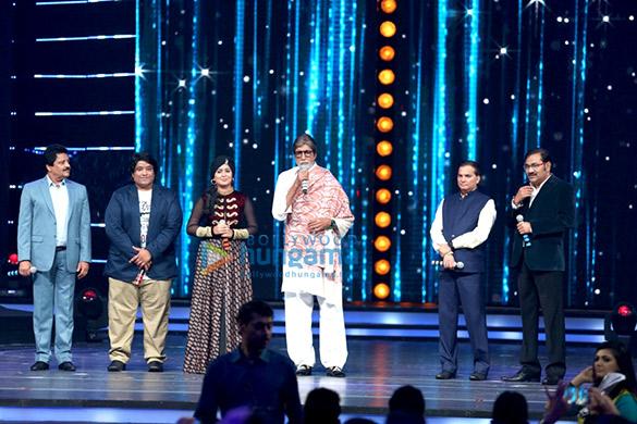 Udit Narayan, Divya Kumar, Harshdeep Kaur, Amitabh Bachchan, Lalit Pandit, Sudesh Bhosle