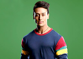 Tiger Shroff sneaks into Gaiety theatre