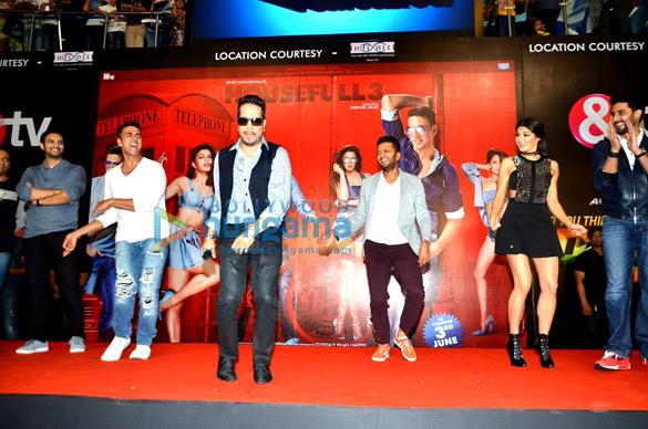 Akshay Kumar, Mika Singh, Riteish Deshmukh, Jacqueline Fernandez, Abhishek Bachchan