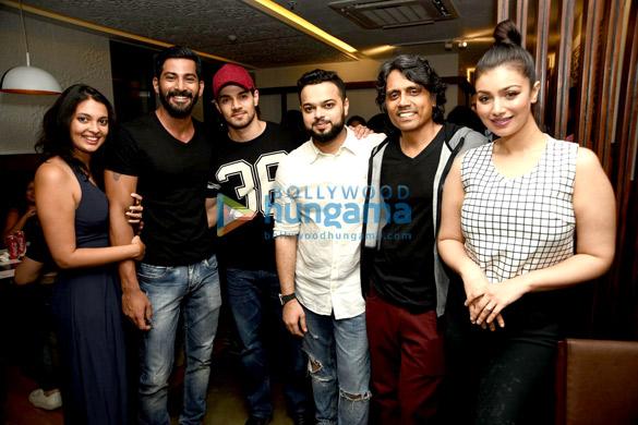 Vivan Bhatena, Sooraj Pancholi, Farhan Azmi, Nagesh Kukunoor, Ayesha Takia Azmi