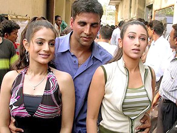 On The Sets Of The Film Mere Jeevan Saathi Featuring Ameesha Patel,Akshay Kumar,Karisma Kapoor