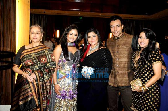 Beena Banerjee, Rashmi Desai, Pragati Mehra, Chaitanya Chowdhury, Praneeta Sahu
