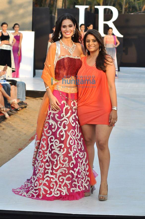 Shouger Merchant Doshi's show at India Resort Fashion Week 2012