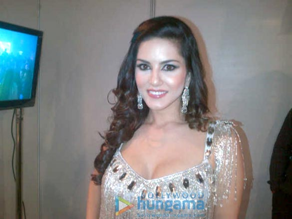 Sunny Leone's first New Year bash performance