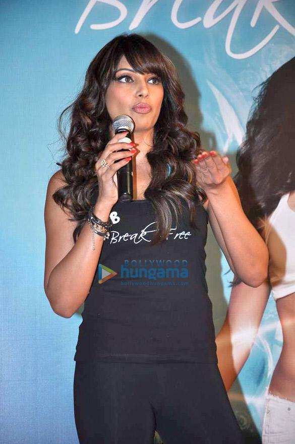 Bipasha Basu launches fitness DVD 'Break Free'
