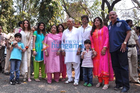 Hridhaan Roshan, Sussanne Roshan, Ira Roshan, Pinky Roshan, Hrithik Roshan, Hrehaan Roshan, Sunaina Roshan, Rakesh Roshan