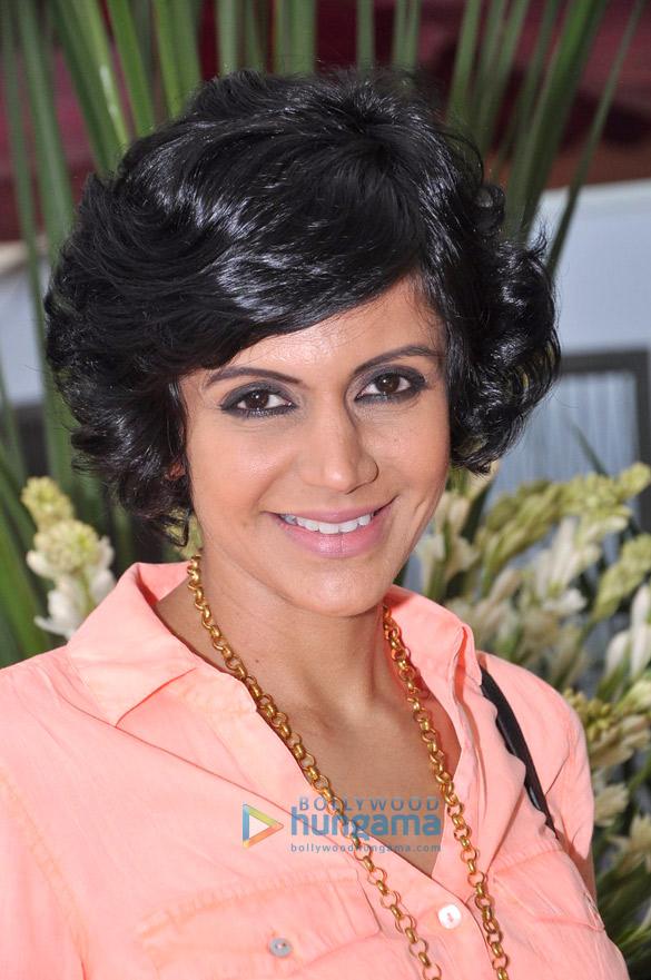 Mandira Bedi visits 'Argentium Jewels'