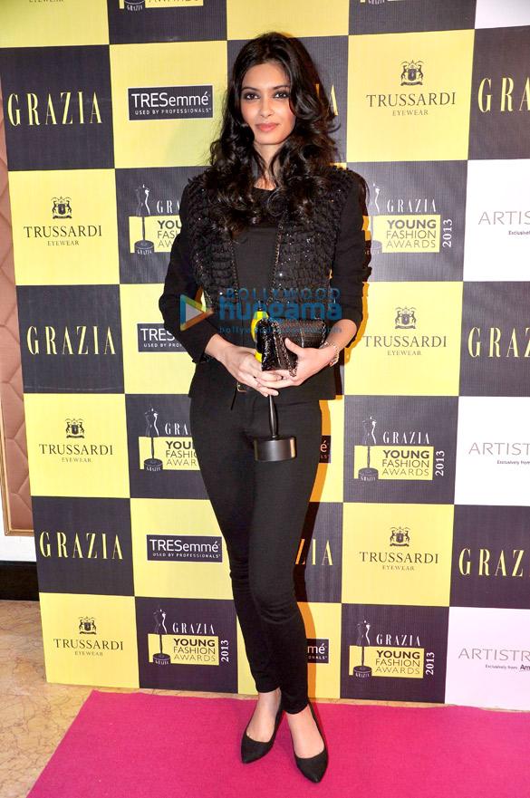 John & Deepika at 'Grazia Young Fashion Awards 2013'