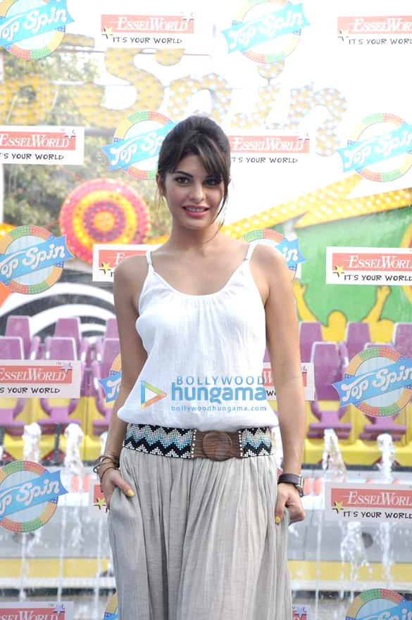 Jacqueline launches Esselworld's Top Spin ride