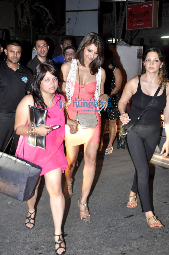 Bipasha Basu & Harman Baweja snapped at 'The Elbo Room'