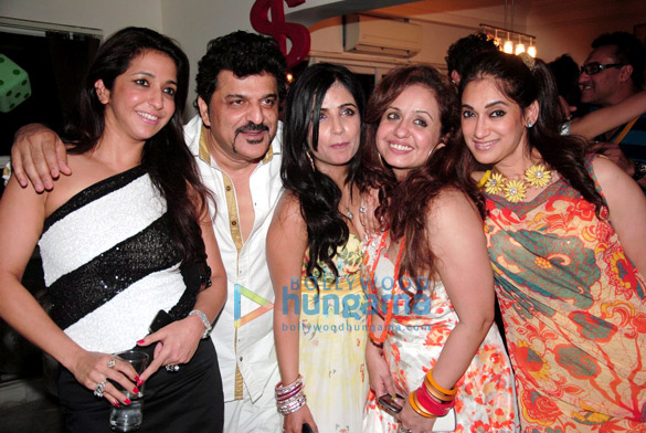 Vandana & Rajesh Khattar's 5th wedding anniversary bash