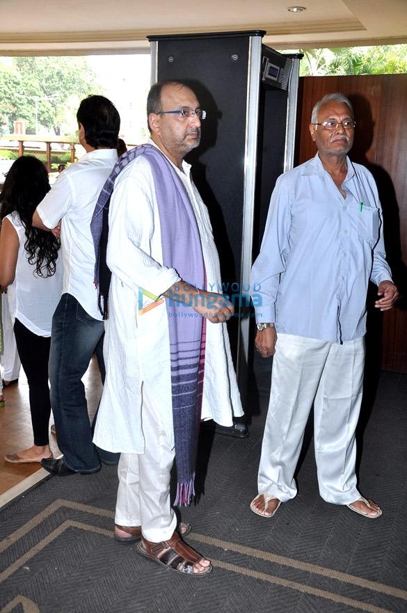 Prayer meet of Priyanka Chopra's Dad