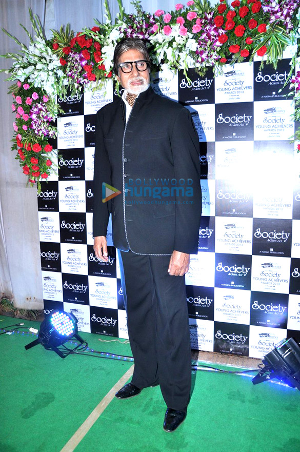 Big B, Imran and others at Society Young Achievers Awards 2013