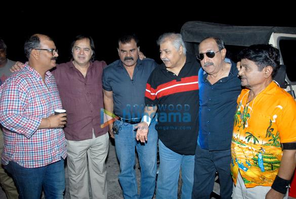 Sanjay Tripathi,Farooq Sheikh,Sharat Saxena,Satish Shah,Tinu Anand,Raghuveer Yadav