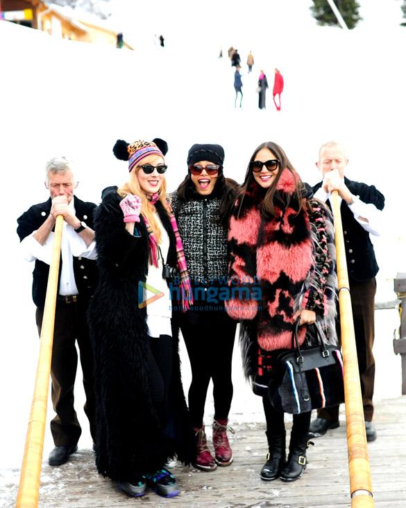Paula Goldstein, Freida Pinto, Sabine Heller