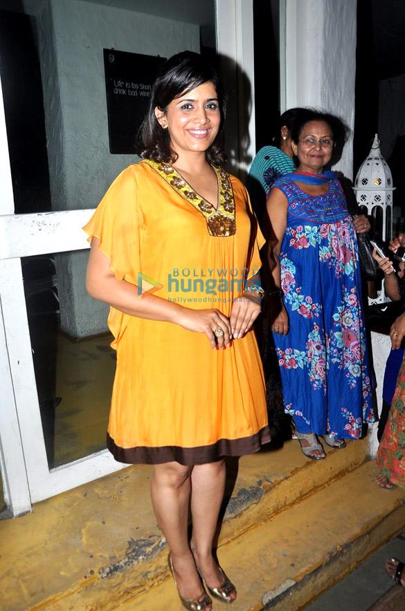 Big B unveils Priyanka Sinha Jha's book 'Supertraits of Superstars'