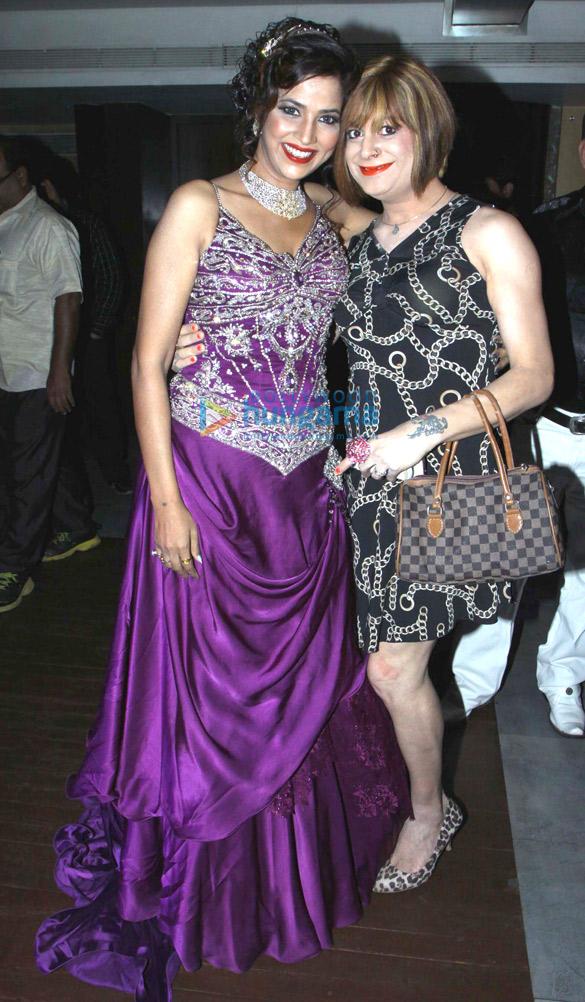 Tanisha Singh celebrates her birthday with friends