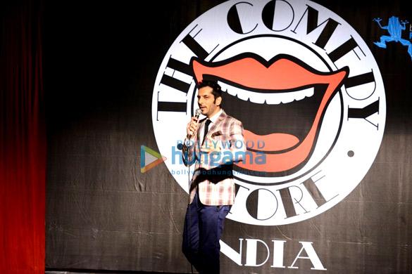 Benny Dayal, Karan Wahi & Hanif Hilal at Nitin Mirani's Comedy Store live act