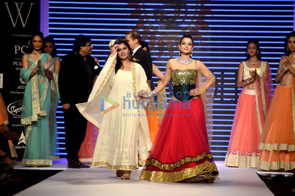 Ameesha Patel walks for Surya Golds at IIJW 2014