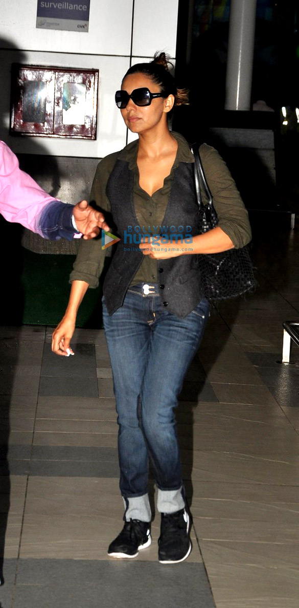 Gauri Khan snapped at the airport