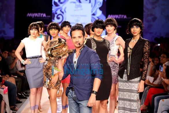 Dia Mirza & Sushmita Sen walks at Myntra Fashion Weekend 2014