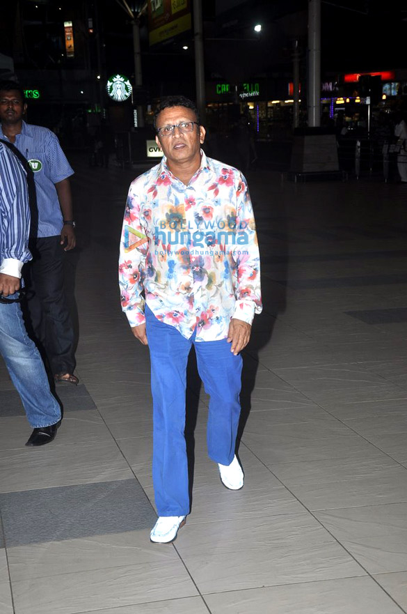 Amitabh Bachchan, Lisa Haydon & Annu Kapoor snapped at the domestic airport