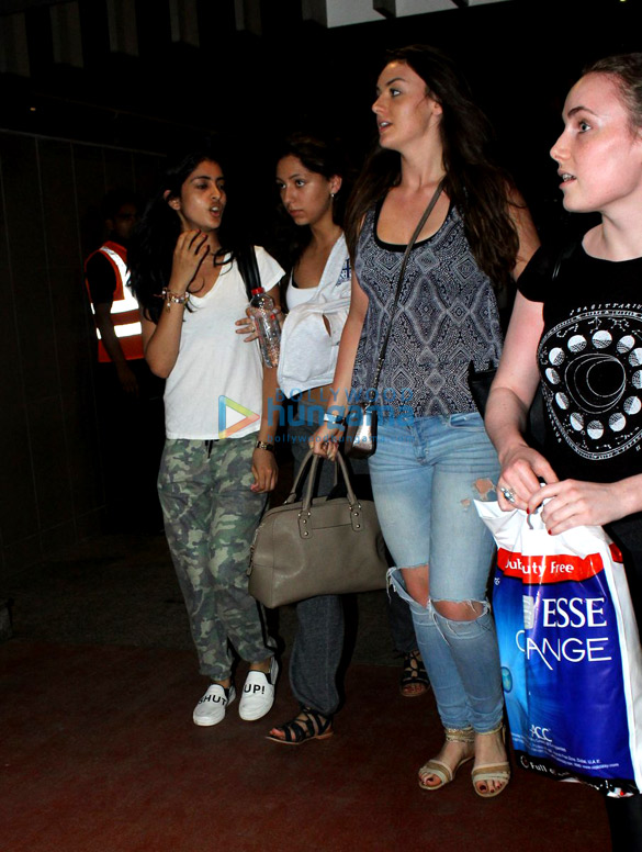 Aryan Khan and Navya Nanda with friends snapped at Mumbai airport