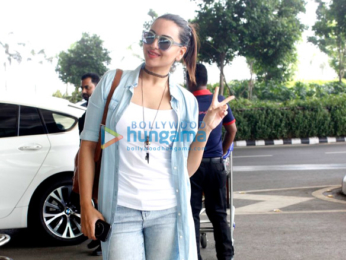 Sonakshi Sinha snapped at the Mumbai airport