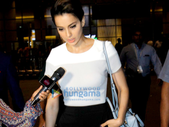 Kangna Ranaut arrives in Mumbai after the India Couture Week 2016 in Delhi