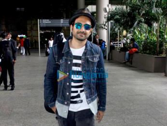 Priyanka Chopra & Malaika Arora Khan snapped at the international airport