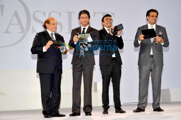 Shah Rukh Khan launches D'Decor's digital interface D'Assist