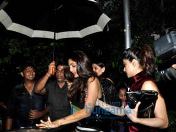Shilpa Shetty & Shamita Shetty snapped post dinner at Olive