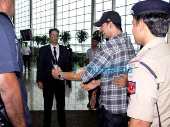 Akshay Kumar, Abhishek Bachchan & Pooja Hegde snapped at the airport