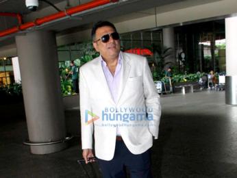 Boman Irani, Suniel Shetty, Fardeen Khan & Sherlyn Chopra snapped at the domestic airport