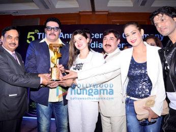 Jackie, Kainaat & Preeti TIIFA awards-1