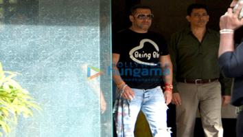 Salman Khan and family snapped post Raksha Bandhan celebrations at Arpita Khan's house