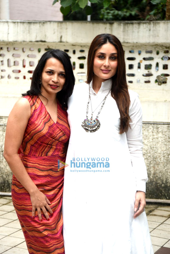 Kareena Kapoor Khan snapped with dietician Rujuta Diwekar before 'Facebook Chat' with her fans