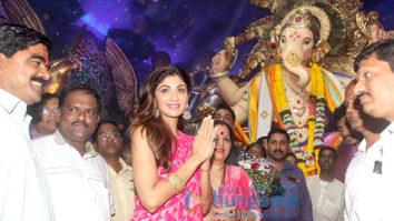 Shilpa Shetty visits Chinchpoklicha Chintamani