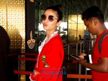 Alia Bhatt, Ajay Devgn & Sunny Leone snapped at the airport
