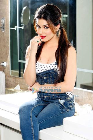 Celebrity Photos of Kangna Sharma