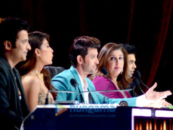 Promotion of 'Kaabil' on the sets of Jhalak Dikhhla Jaa Season 9