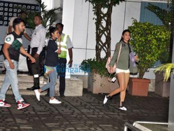 Ranbir Kapoor, Sachin Tendulkar, Alia Bhatt, Varun Dhawan & Jacqueline Fernandez arrive back from Guwahati