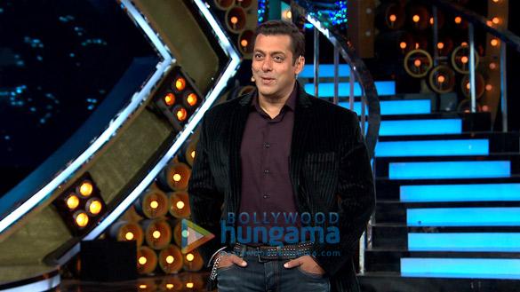 Salman Khan shoots for Bigg Boss - Weekend Ka Vaar