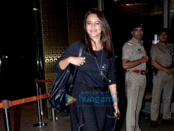 Sonakshi Sinha, Ameesha Patel & Surveen Chawla snapped at the international airport