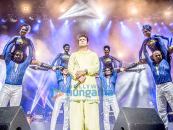 Sonu Nigam performs while on his US and Canada tour