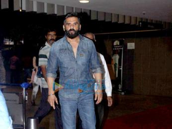 Sridevi, Juhi Chawla and Suniel Shetty snapped at the airport