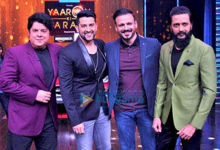 Aftab Shivdasani & Vivek Oberoi on the sets of 'Yaaron Ki Baraat'