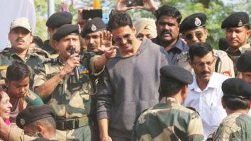 Akshay Kumar's EMOTIONAL Speech At BSF Base Camp In Jammu video