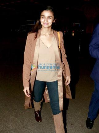 Alia Bhatt, Farhan Akhtar and Vivek Oberoi snapped at the Mumbai airport