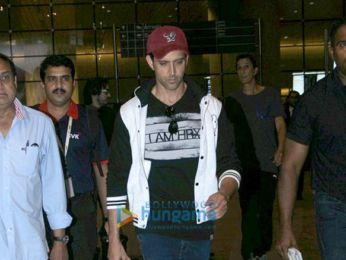 Hrithik Roshan snapped in casuals at the international airport